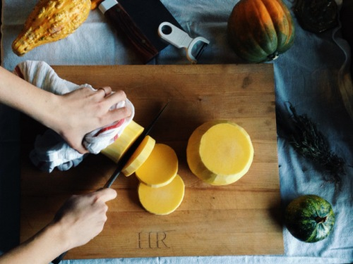 Step-by-step instructions on how to prepare a butternut squash (photo by Heather Logan, Kailyard Kitchen)